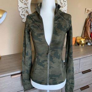 Lululemon camo forme jacket size 2